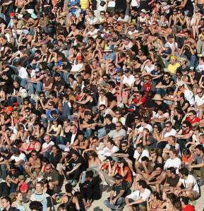 mco-crowd